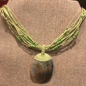 Jewelry - Beautiful pearlized abalone shell necklace